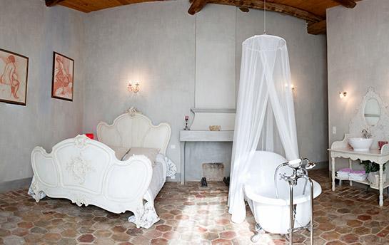 chambre-nuptiale-saint-bacchi